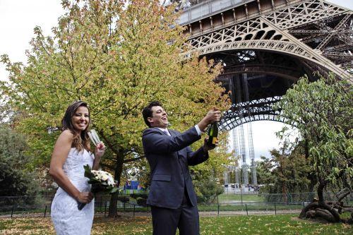 Celebracao de casamento em paris