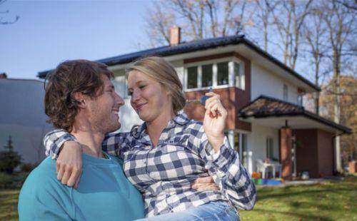 Casais:Vejam os prós e contras de alugar ou financiar um imóvel antes de fechar o negócio (Fotos: ThinkStock)