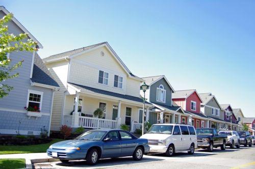 Verifique se as ruas próximas têm vagas para as visitas estacionarem o carro