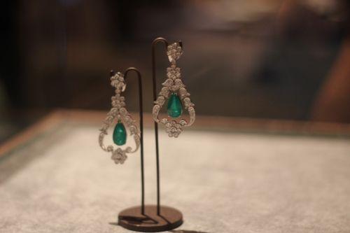 Vestidos e joias para noivas - Constance Zahn