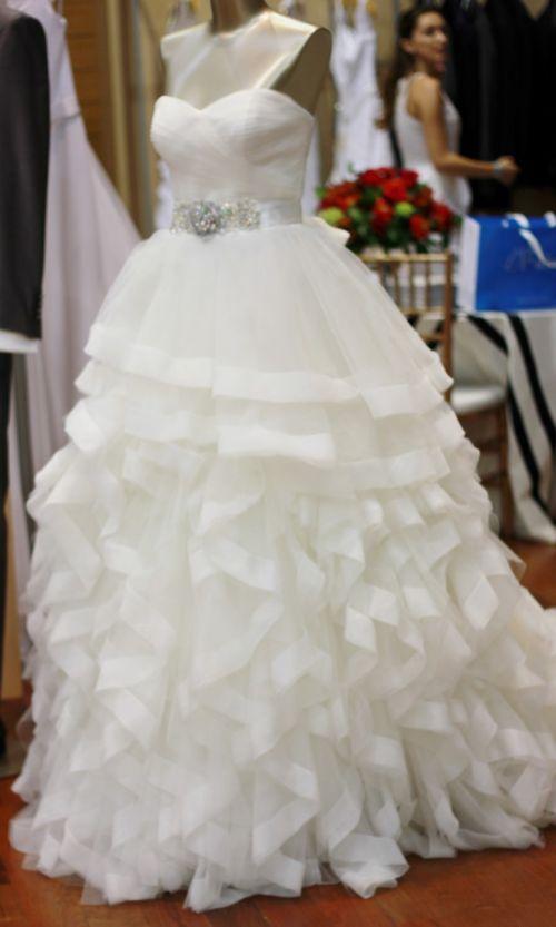 Vestidos e joias para noivas - Black Tie