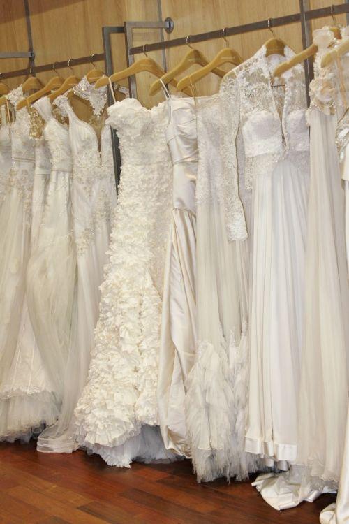 Vestidos e joias para noivas - Samuel Cirnansek