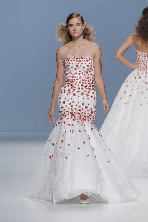 cymberline-noiva-vestido