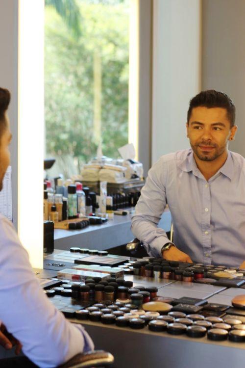 alex cardoso make up artist