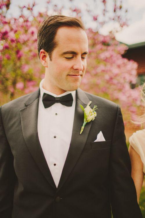 a escolha do traje do noivo