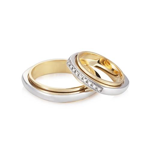 Aliança de casamento em ouro amarelo ouro branco e diamante Love Me Vivara