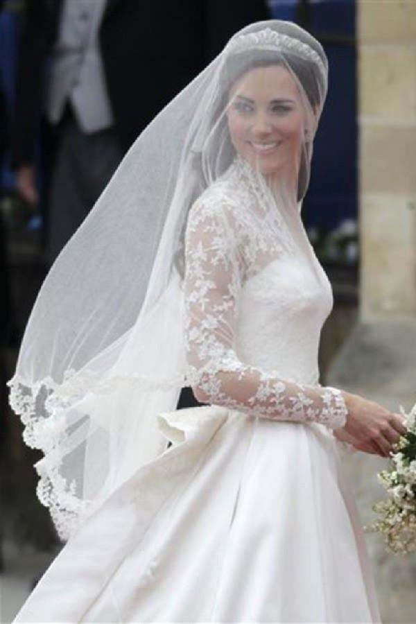 Kate Middleton com véu ponta de dedo - Véu para casamento