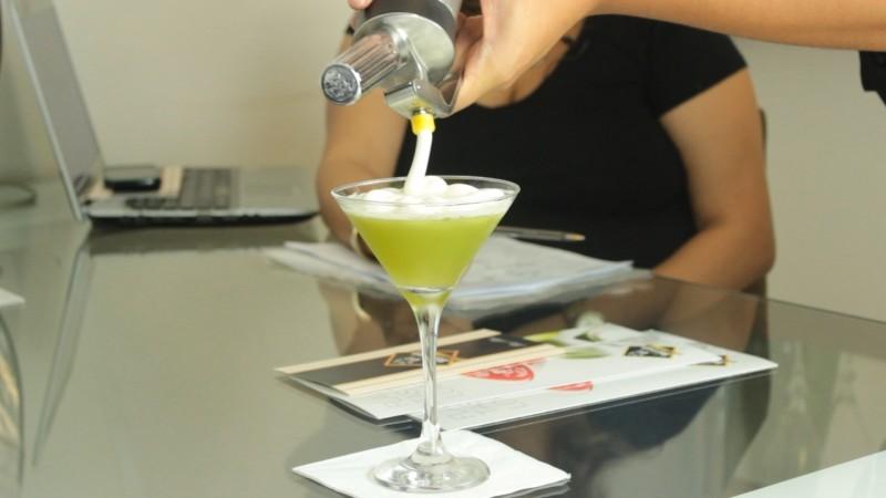 bar para casamento martini