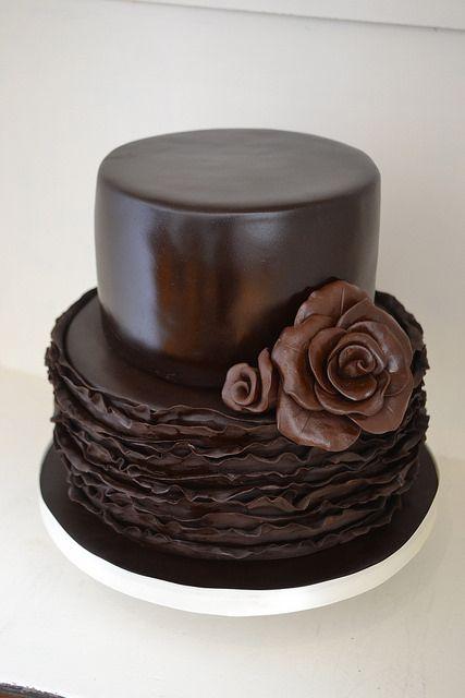bolo de casamento de chocolate com pasta americana 3