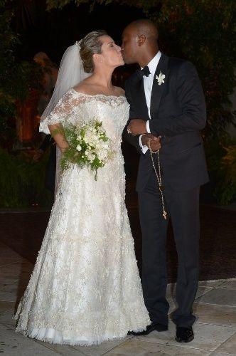 Beijo do casal - Casamento Thiaguinho + Fernanda Souza
