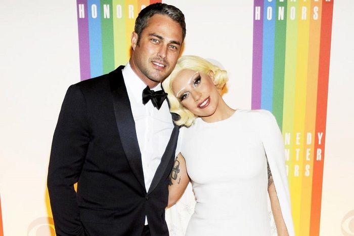 Lady Gaga e Taylor Kinney - Lady Gaga está noiva!