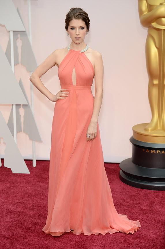 Anna Kendrick vestido salmão de Thakoon - Inspiração | Oscar 2015