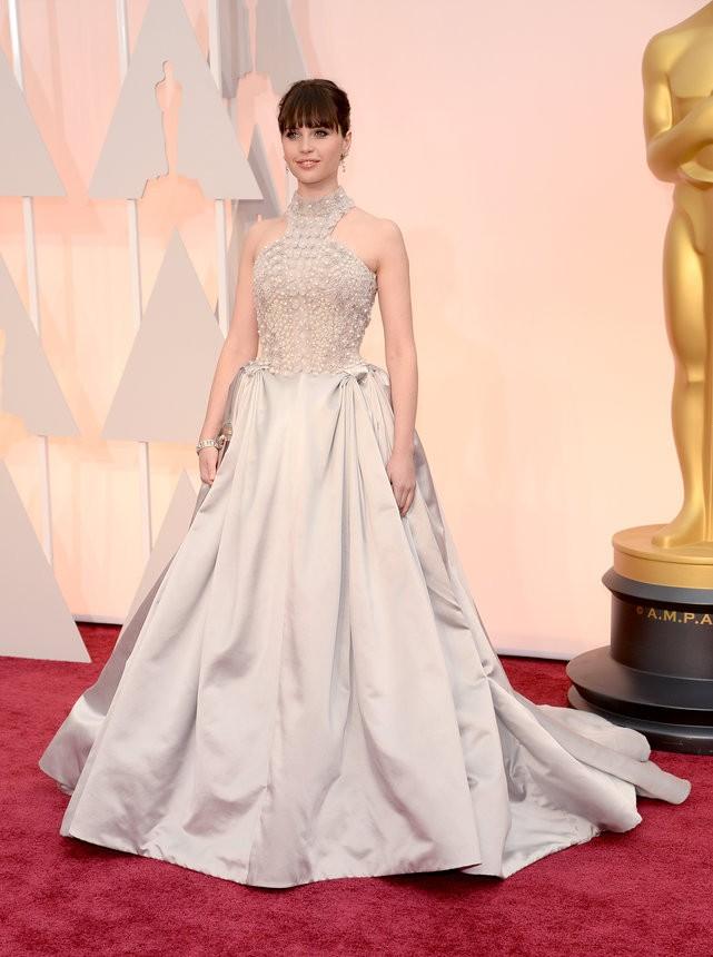 Felicity Jones vestido off-white de Alexander Mcqueen - Inspiração | Oscar 2015