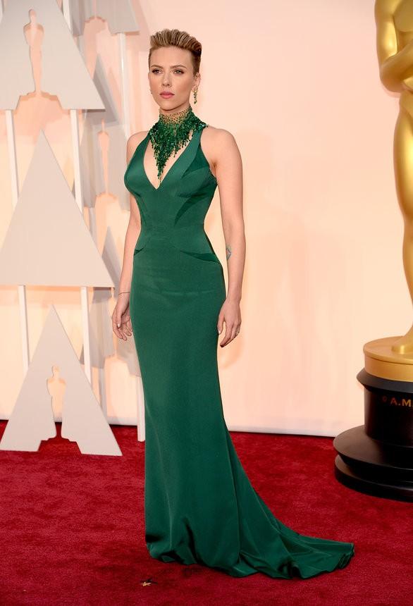 Scarlett Johansson vestido verde de Atelier Versace - Inspiração | Oscar 2015
