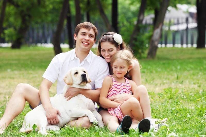 casal com família