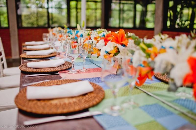 decoração de casamento com tons vibrantes (1)