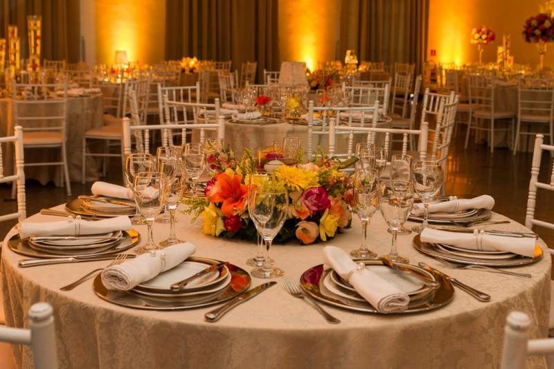decoração de casamento com tons vibrantes (4)