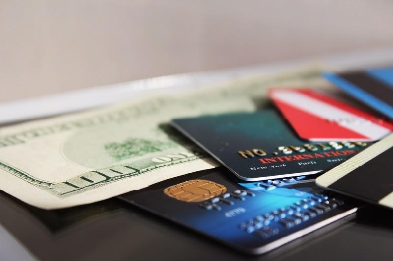 evite cartões de créditos para viagens de lua de mel para o exterior