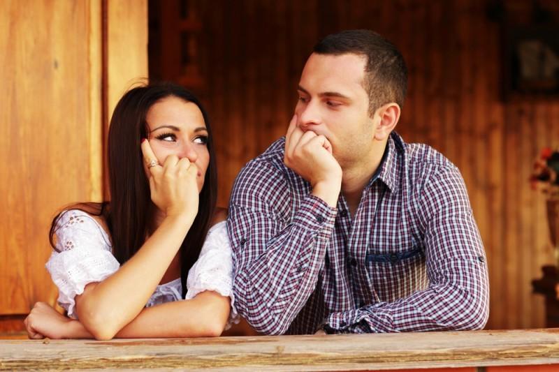 recém-casados pensando em ter filhos