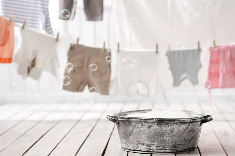 roupas íntimas no banheiro
