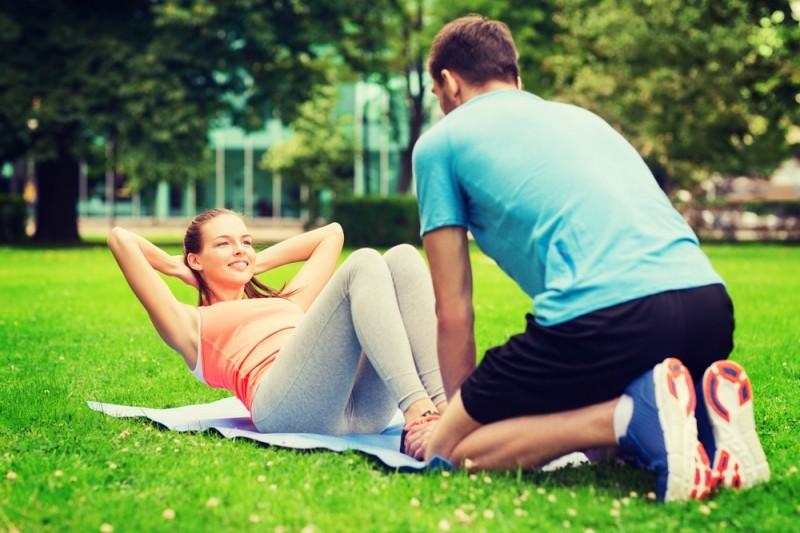 casal-fazendo-exercicios-juntos