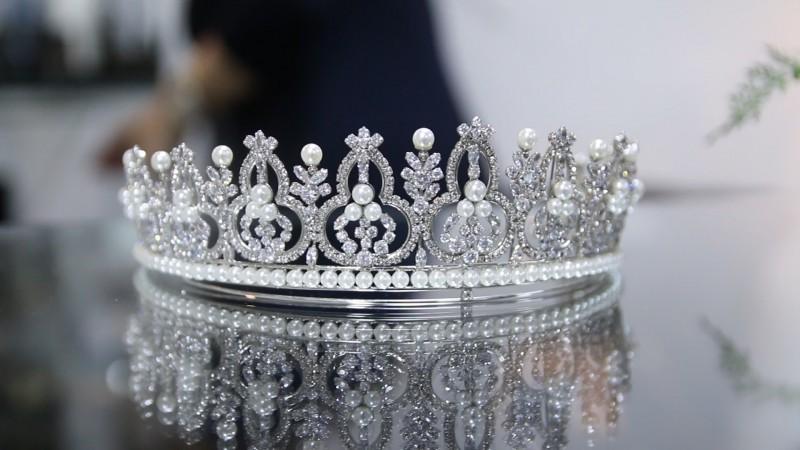 coroa-prata-rosana-negrão