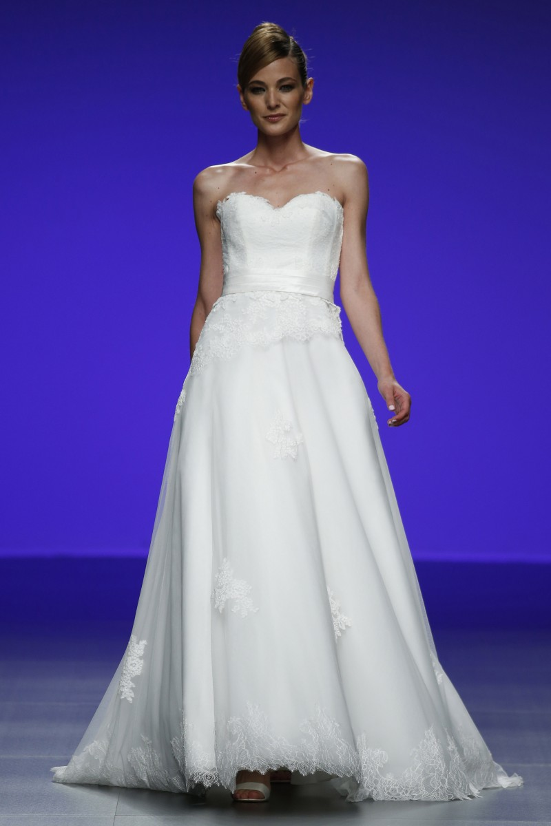 cymbeline-forever-barcelona-bridal-week-2016-frente-4