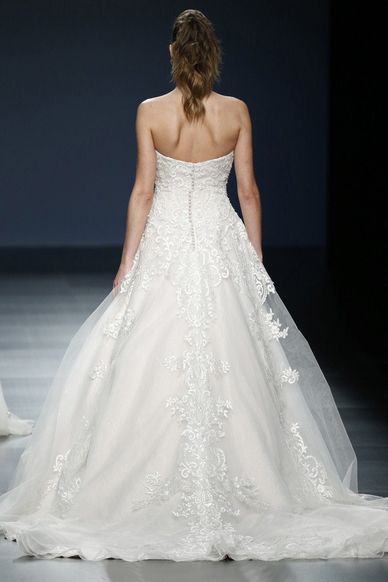 justin-alexander-barcelona-bridal-week-2016-costas-14