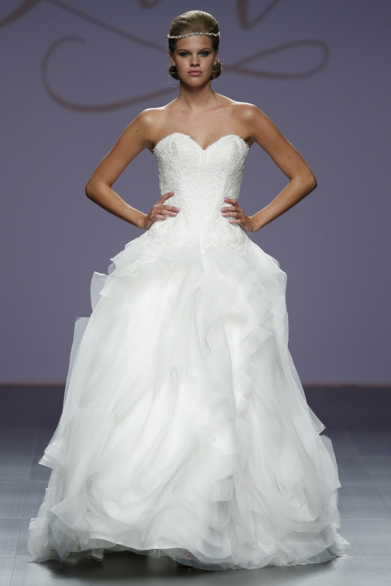 justin-alexander-barcelona-bridal-week-2016-frente-4