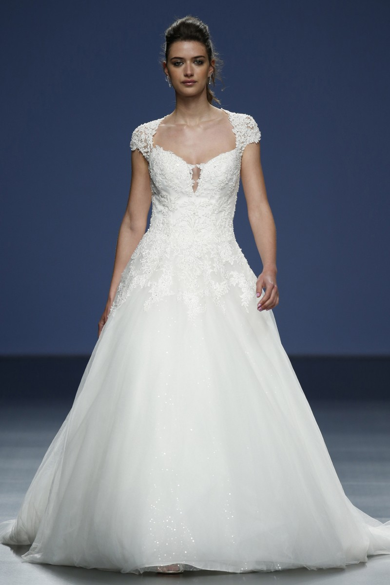 justin-alexander-barcelona-bridal-week-2016-frente-6