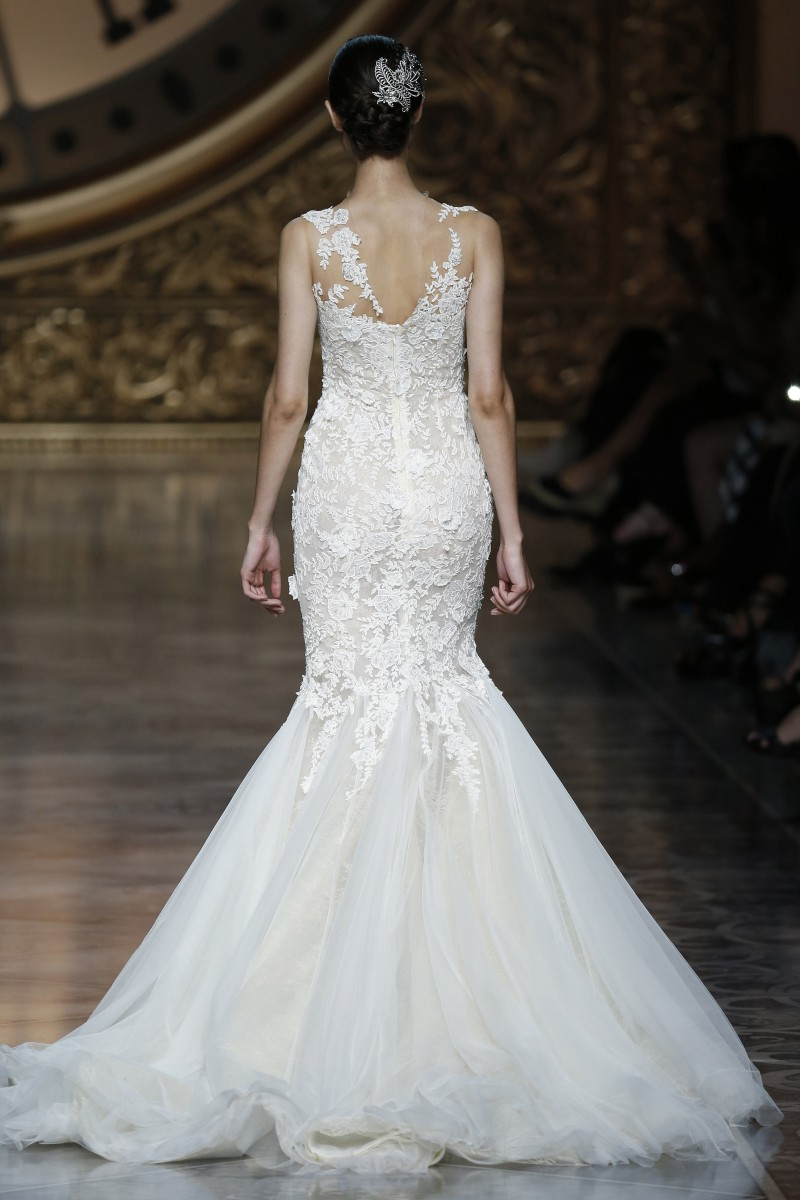 pronovias-barcelona-bridal-week-2016-costas-1