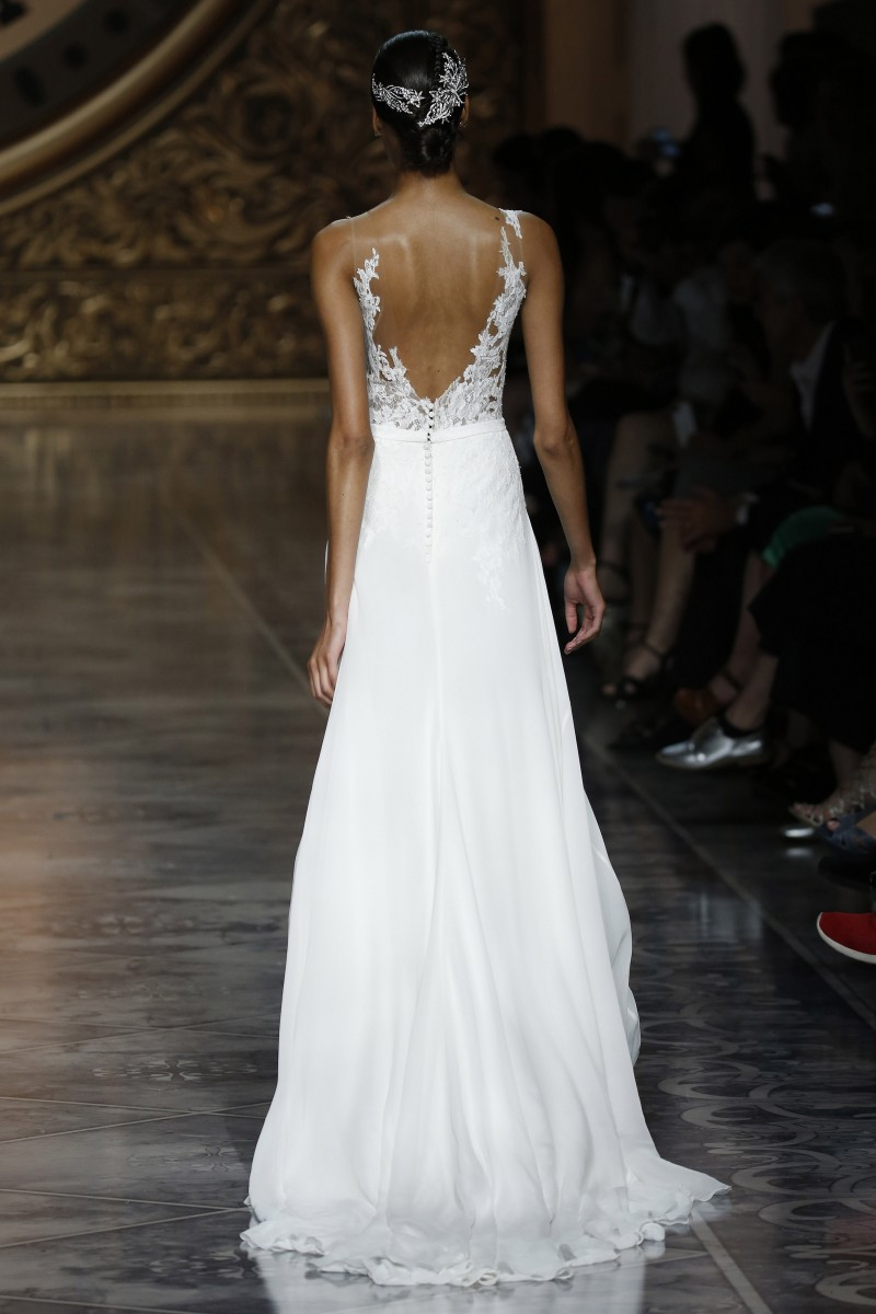pronovias-barcelona-bridal-week-2016-costas-10