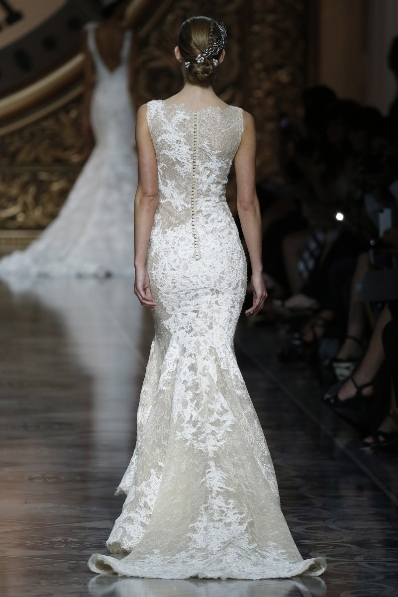 pronovias-barcelona-bridal-week-2016-costas-3