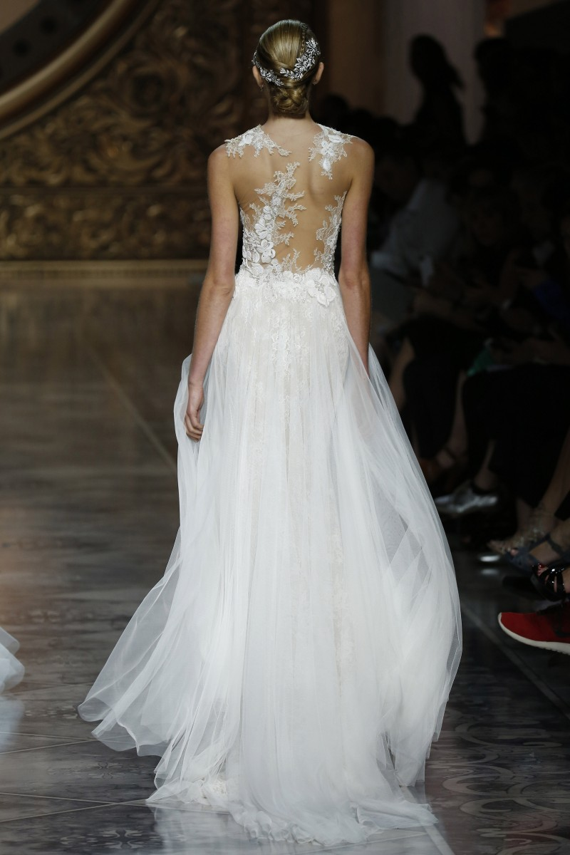 pronovias-barcelona-bridal-week-2016-costas-4