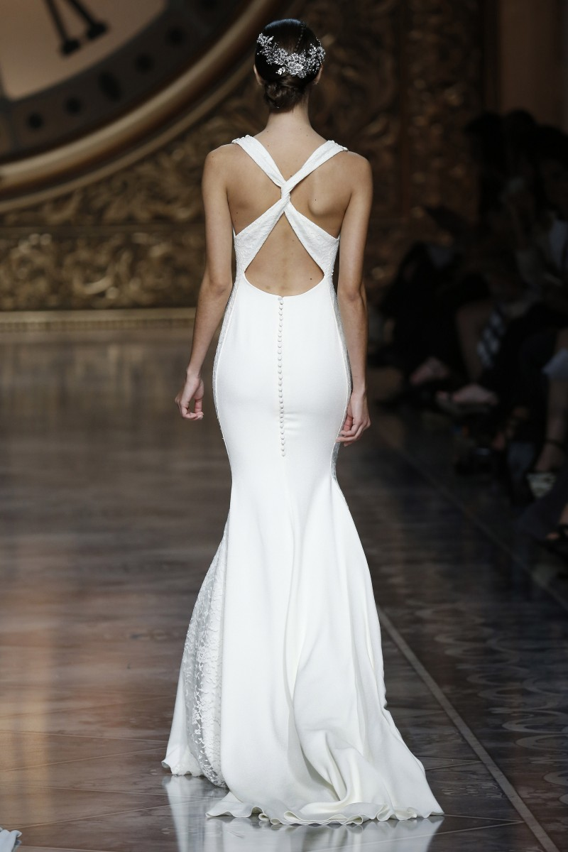 pronovias-barcelona-bridal-week-2016-costas-7