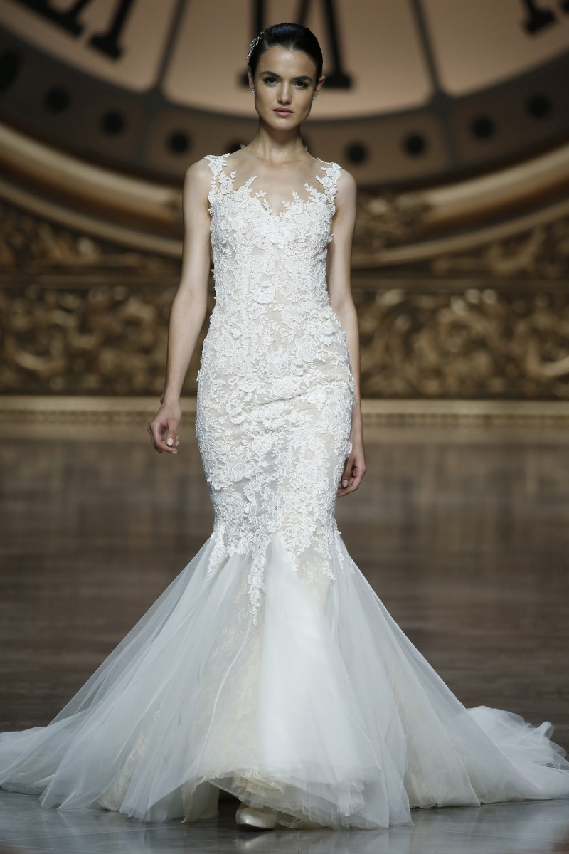 pronovias-barcelona-bridal-week-2016-frente-1