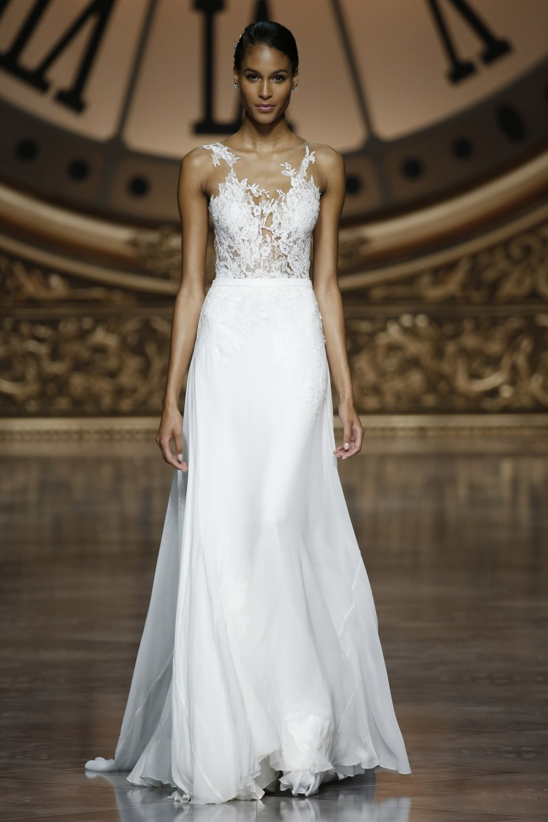 pronovias-barcelona-bridal-week-2016-frente-10