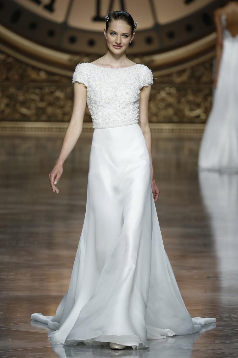 pronovias-barcelona-bridal-week-2016-frente-11