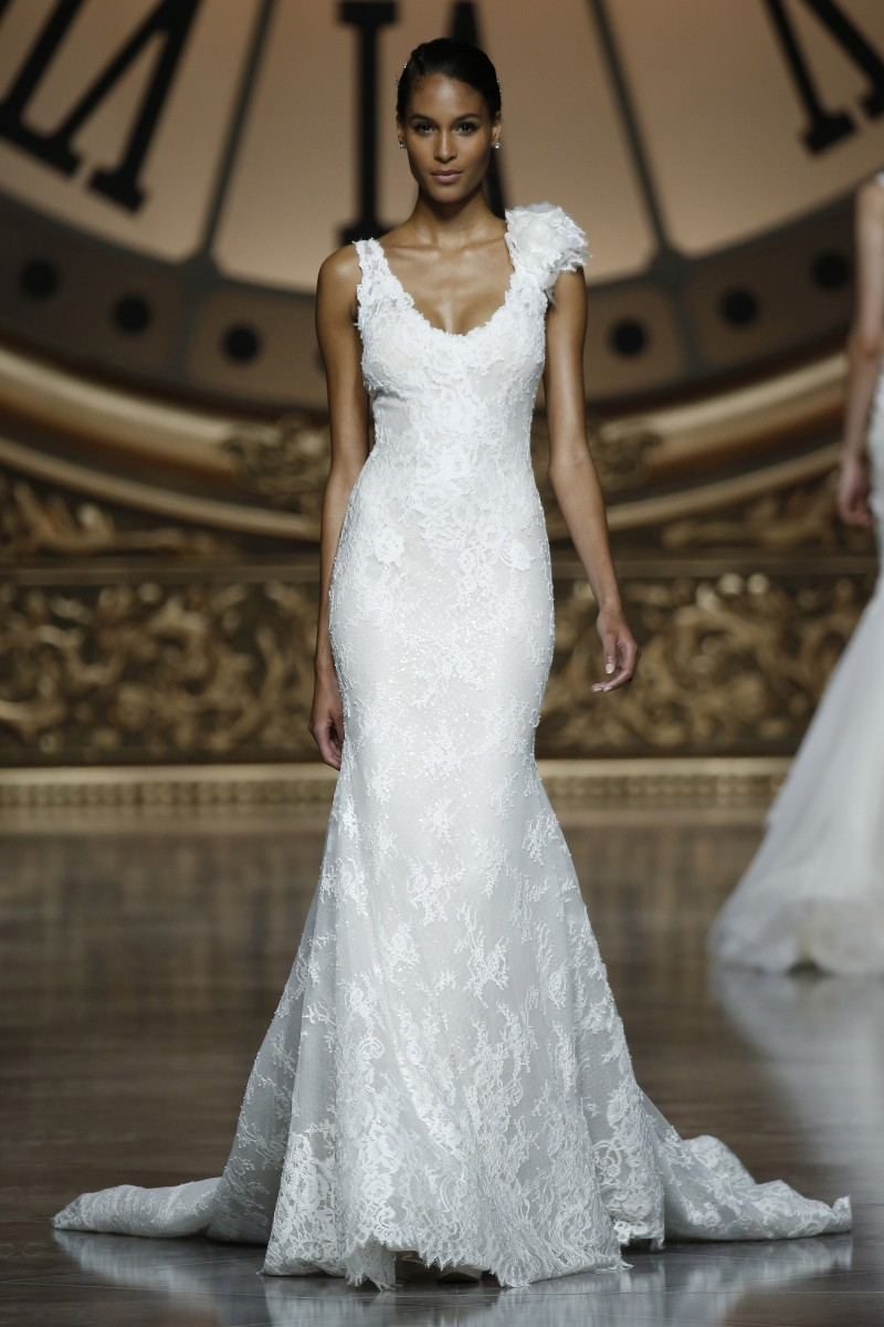 pronovias-barcelona-bridal-week-2016-frente-2