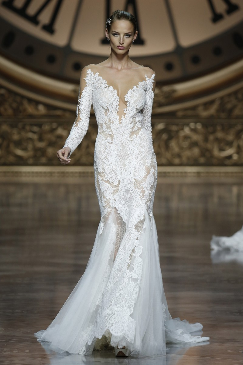 pronovias-barcelona-bridal-week-2016-frente-6