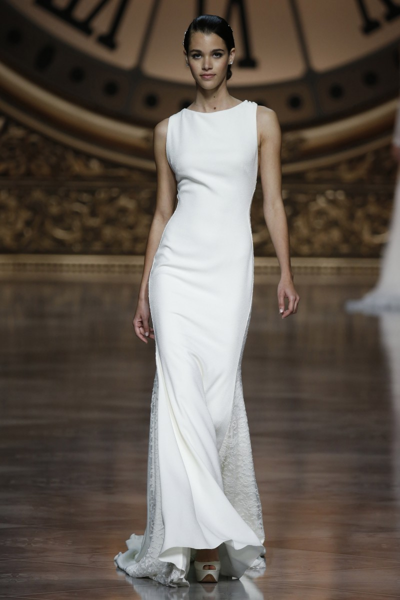 pronovias-barcelona-bridal-week-2016-frente-7