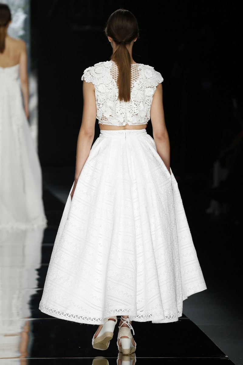 yolan-cris-barcelona-bridal-week-2016-costas-2