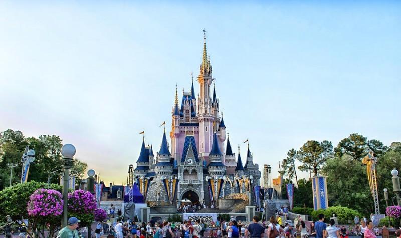10-locais-mais-romanticos-para-pedir-a-amada-em-casamento-magic-kingdom