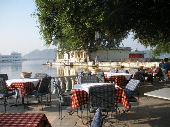 10-restaurantes-para-pedir-a-amada-em-casamento-ambrai-india