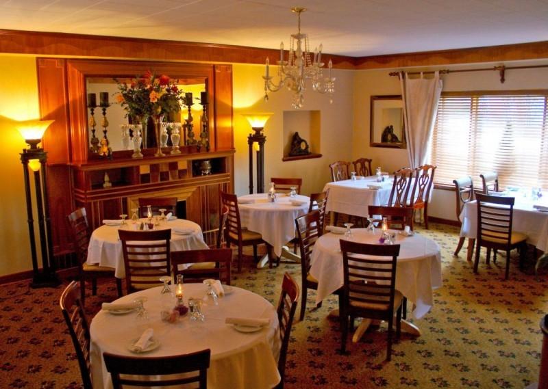 10-restaurantes-para-pedir-a-amada-em-casamento-castle-falls-sala-jantar