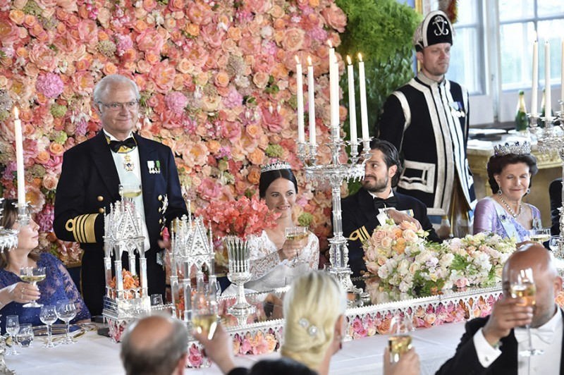 Casamento Sofia Hellqvist e Príncipe Carl Philip - revista icasei (16)