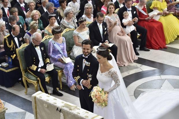 Casamento Sofia Hellqvist e Príncipe Carl Philip - revista icasei (26)
