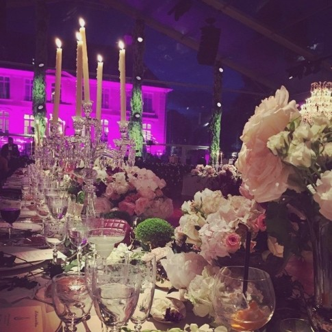 celebridades-noor-fares-e-alexandre-al-khawam-decoracao-velas
