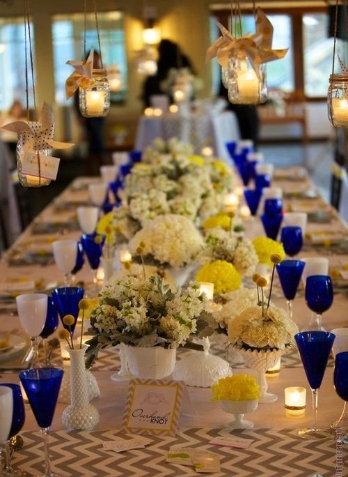 decoracao azul e amarelo casamento:Navy Blue and Yellow Table Settings