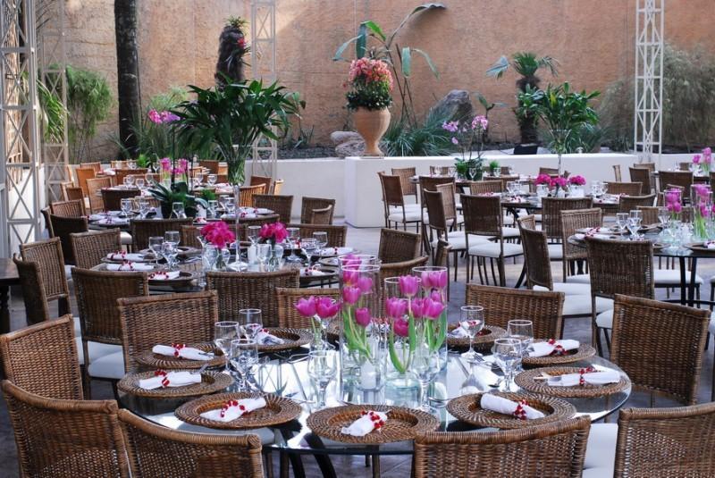 dá um ar ainda mais romântico ao casamento Foto Flower People